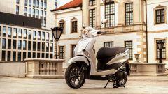 Yamaha D'elight 125 si rinnova: peso piuma e prezzo sotto i 3.000 euro - Immagine: 11
