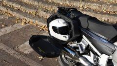 Yamaha FJR1300A, casco HJC