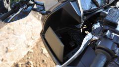 Yamaha FJR1300A, sportello quadro strumenti