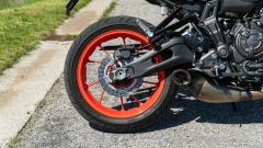 Yamaha MT-07 2020, dettaglio del freno a disco posteriore