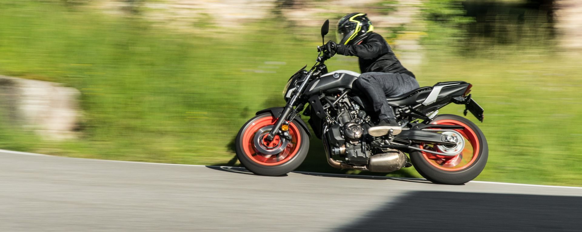 Yamaha MT-07 2020, la prova su strada