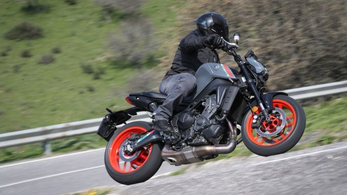 Yamaha MT-09 2021: in azione