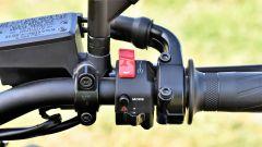 Yamaha MT-09 SP: dettaglio del blocchetto elettrico destro