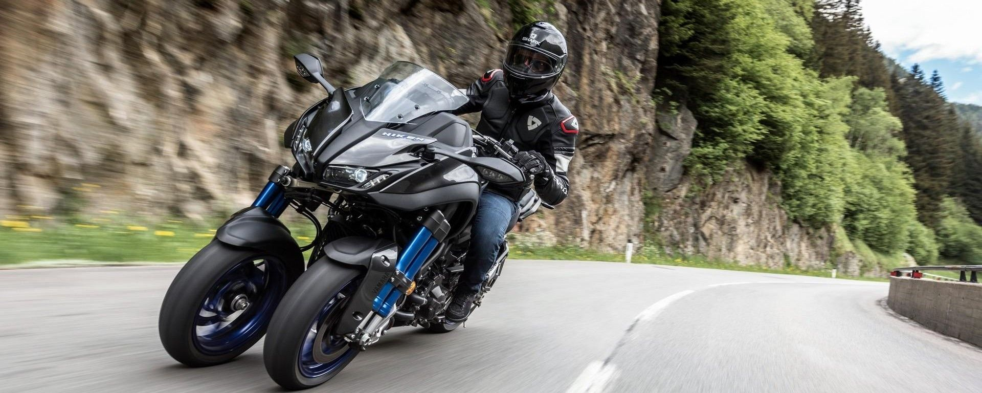 Yamaha Niken: alla prova sul percorso della 20.000 pieghe
