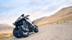 Yamaha Niken: ecco come va in piega la tre ruote di Iwata - Immagine: 4