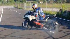 Yamaha Niken: le derapate di Toprak Razgatlioglu