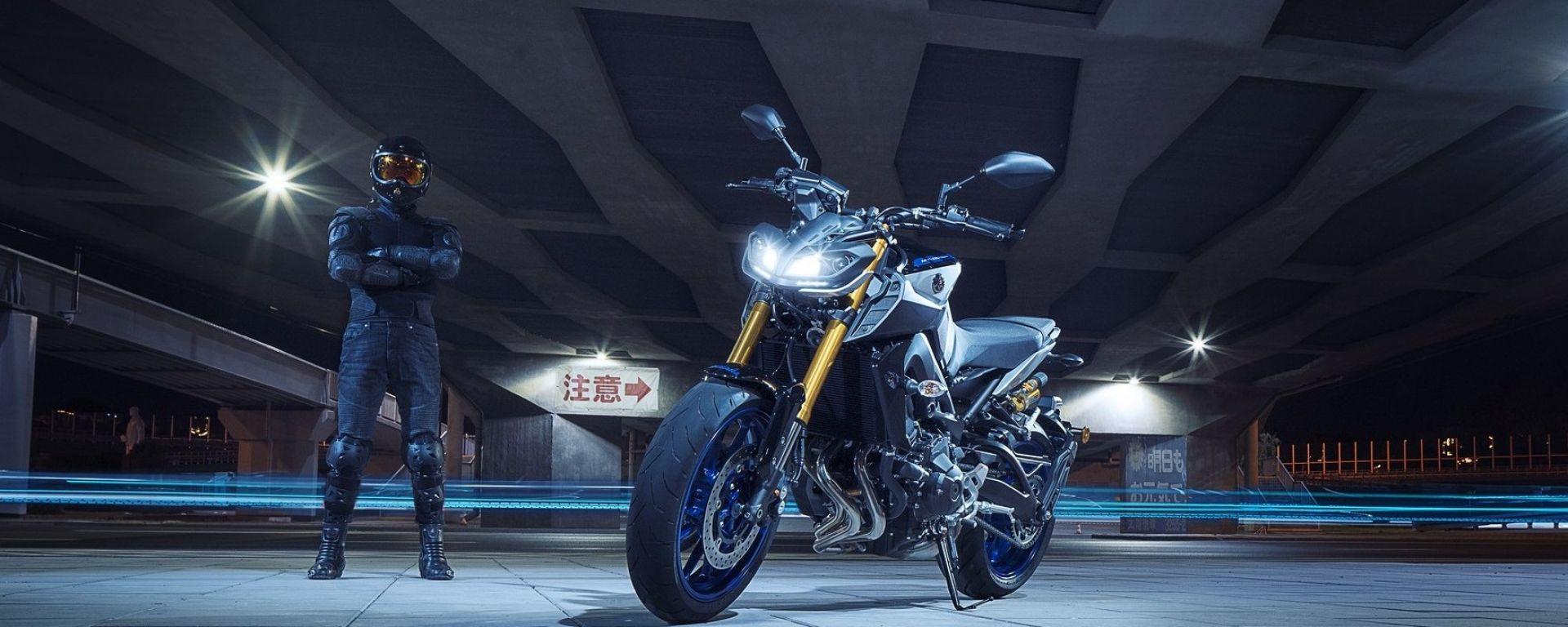 Yamaha MT-09 SP: più sportiva con le sospensioni Ohlins