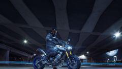 Yamaha MT-09 SP: più sportiva con le sospensioni Ohlins - Immagine: 23