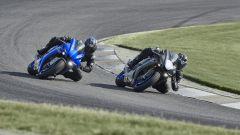 Yamaha R1 e Yamaha R1M 2020 in pista