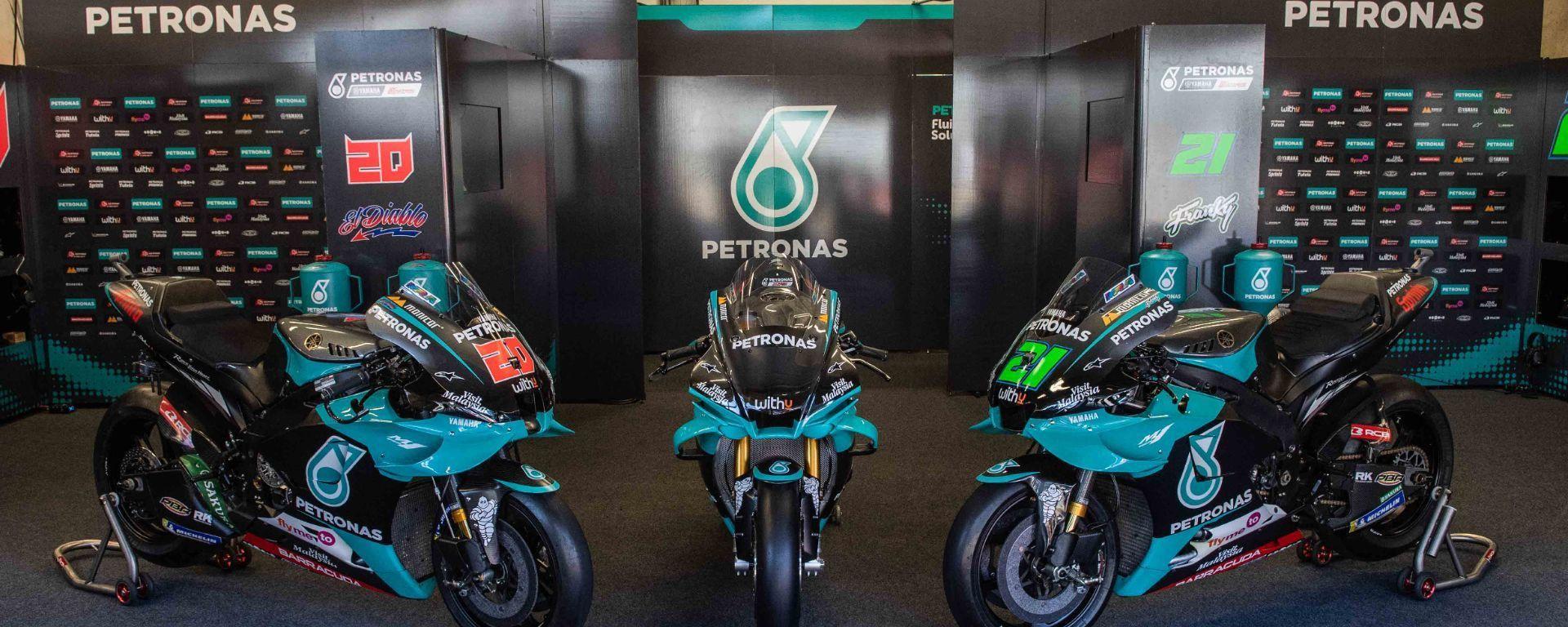 Yamaha R1 Petronas nel box vino alle MotoGP