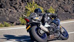 Yamaha R1M: la Pirelli Diablo Rosso IV posteriore