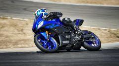 Yamaha R3 2019: stile R1, prestazioni e ciclistica migliorate - Immagine: 6