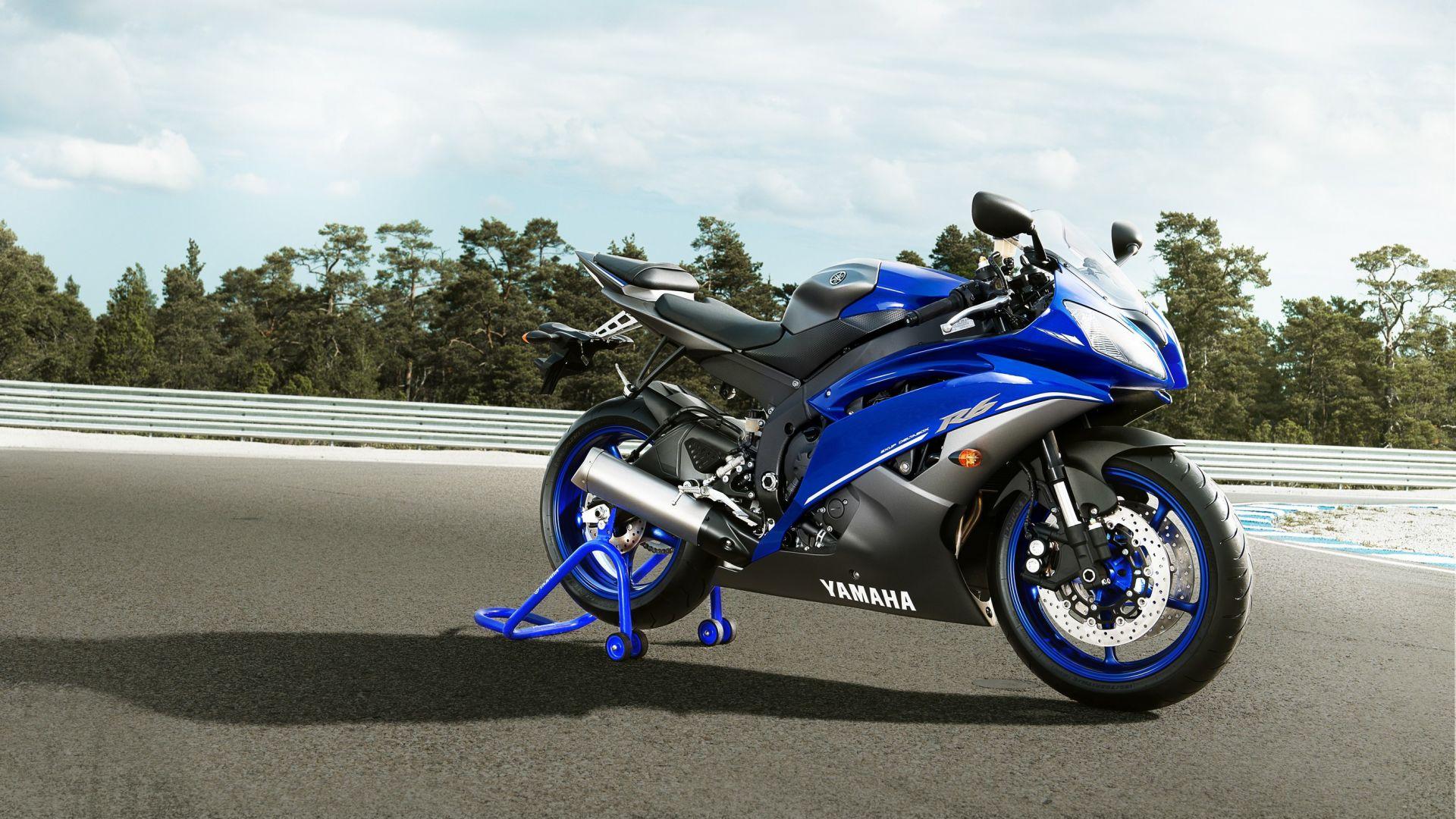 Immagine 15: Yamaha Race Blu Series