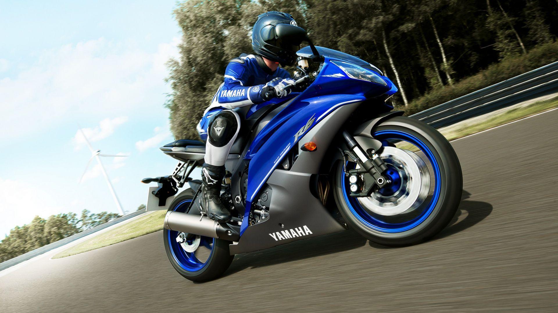 Immagine 2: Yamaha Race Blu Series