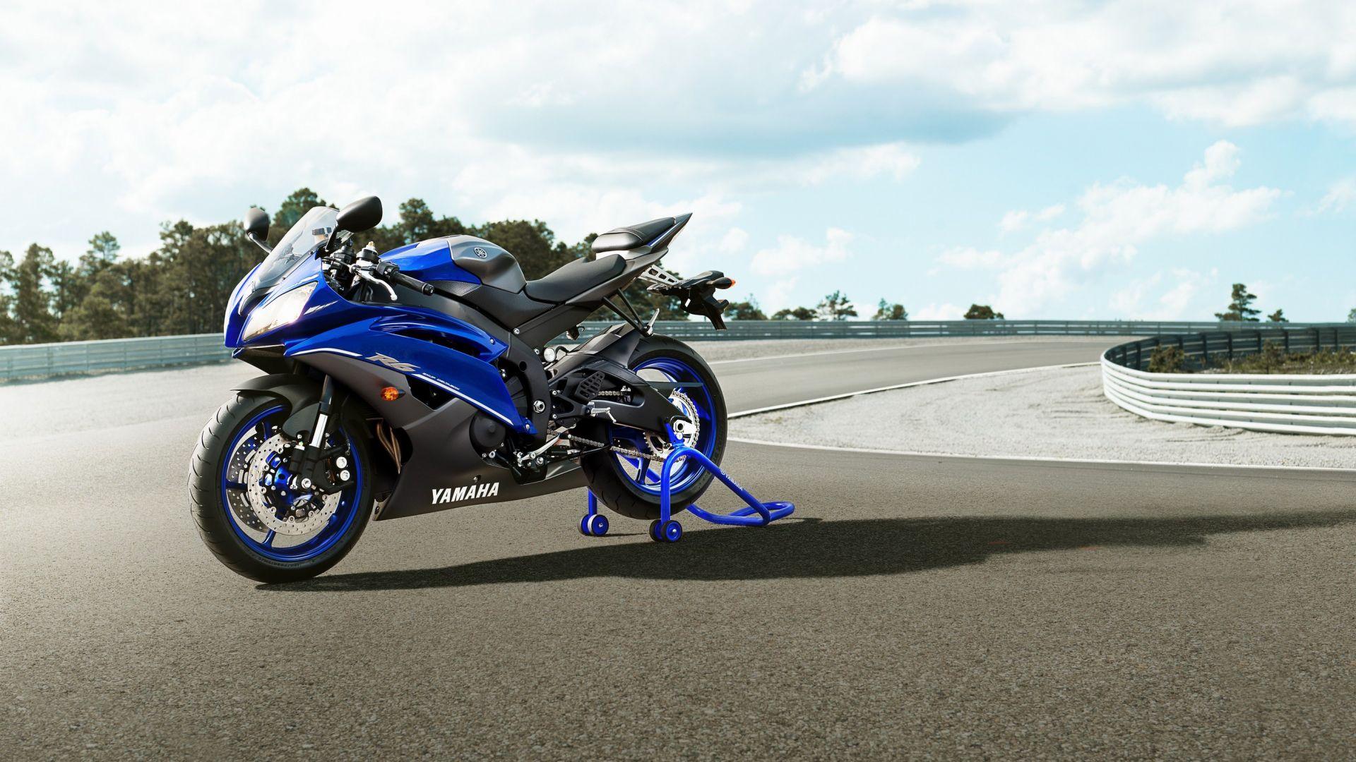 Immagine 3: Yamaha Race Blu Series