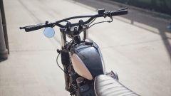 Yamaha SCR950 Chequered by Brat Style, manubrio