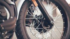 Yamaha SCR950: i freni sono a margherita