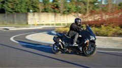 Yamaha T-Max SX Sport Edition: il più sportivo tra gli sportivi - Immagine: 2