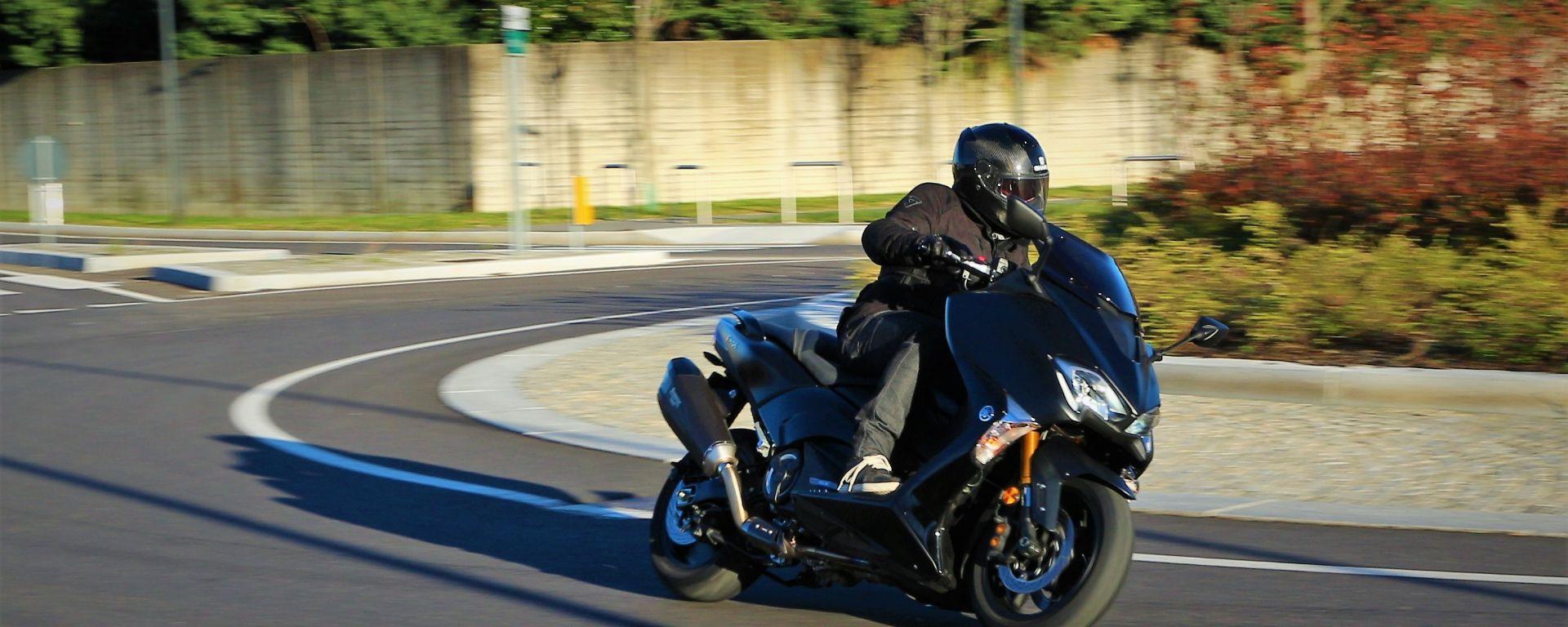 Yamaha T-Max SX Sport Edition: il più sportivo tra gli sportivi