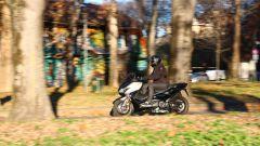Yamaha T-Max SX Sport Edition: il più sportivo tra gli sportivi - Immagine: 11
