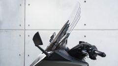 Yamaha TMAX 560 2020: il Tech Max ha il parabrezza regolabile