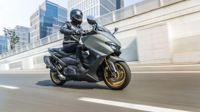Yamaha TMAX 560 2020 Tech Max con livrea camo
