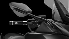 Yamaha TMAX 560: lo specchio Namic e la leva freno Adjustable Plus