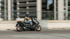 Yamaha TMax 560 Tech Max 2020: in sella