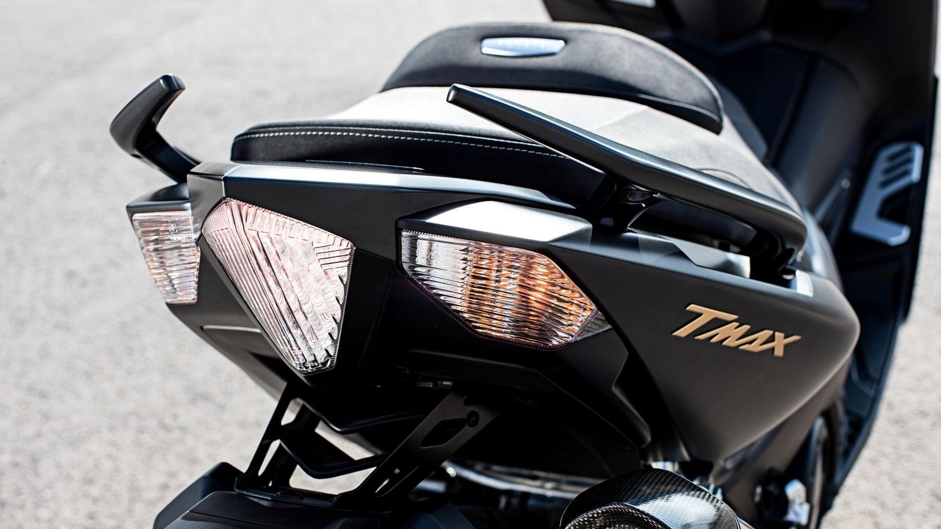 novit scooter yamaha tmax iron max 2016 motorbox. Black Bedroom Furniture Sets. Home Design Ideas