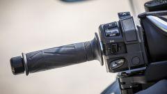 Yamaha TMAX SX 2017: comandi al manubrio, lato sinistro