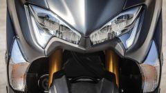 Yamaha TMAX SX 2017: dettaglio del frontale