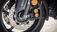 Yamaha TMAX SX 2017: il doppio disco anteriore