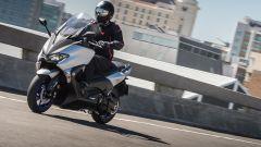 Yamaha TMAX SX 2017, in città è a suo agio