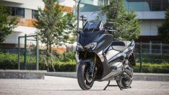 Yamaha TMAX SX 2017: vista 3/4 anteriore