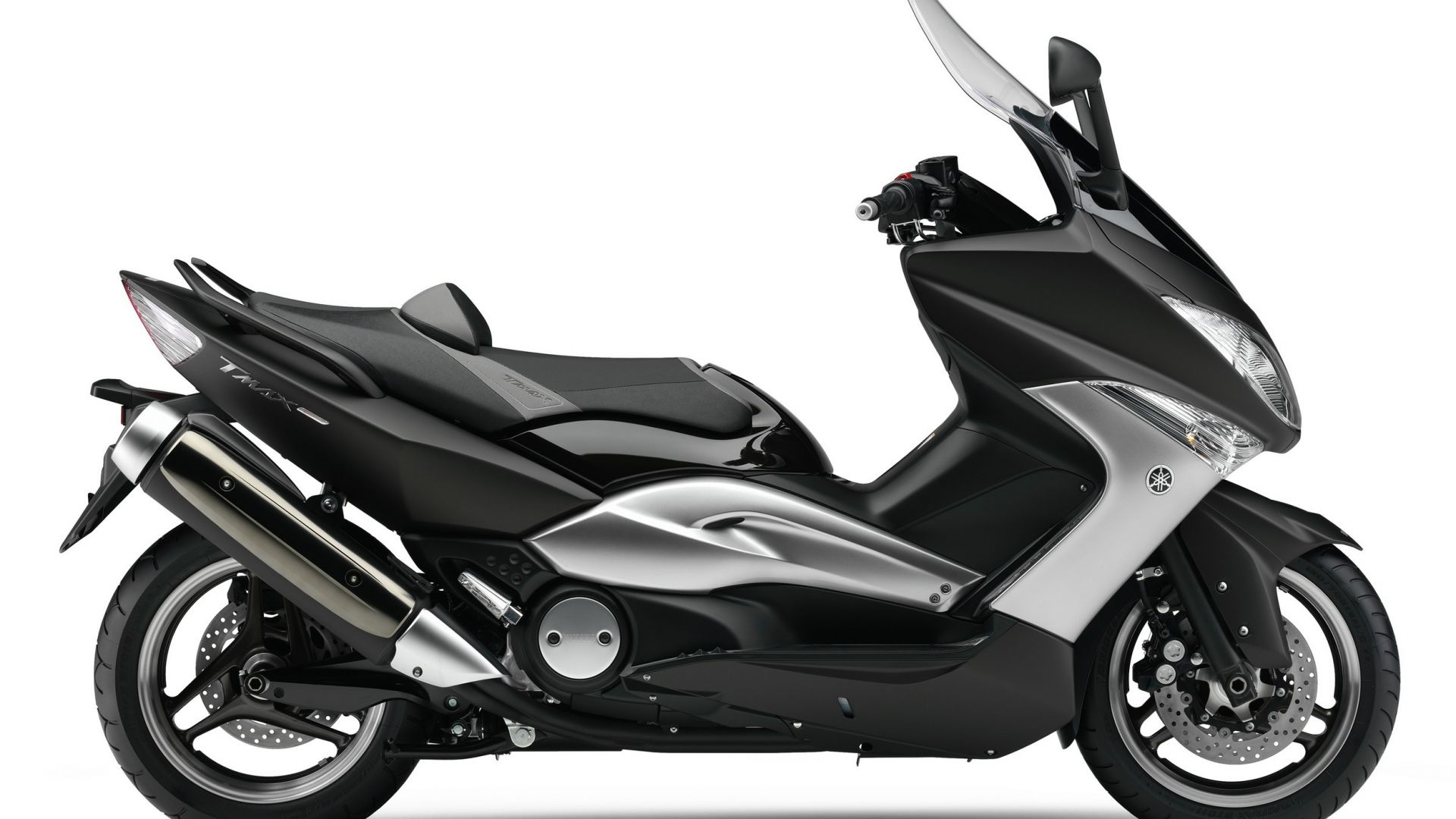 anteprima yamaha tmax tech max motorbox. Black Bedroom Furniture Sets. Home Design Ideas