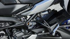 Yamaha Tracer 900 GT: il pomello di regolazione del monoammortizzatore