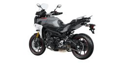 Yamaha Tracer 900 GT in colorazione Nimbus Grey