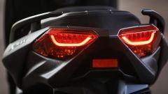 Yamaha X-Max 300: dettaglio dei fanali posteriori