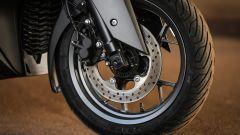 Yamaha X-Max 300: dettaglio del freno anteriore