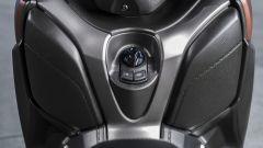 Yamaha X-Max 300, svelati prezzo e disponibilità - Immagine: 7