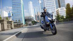Yamaha X-Max 400 in città