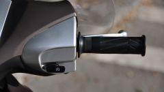 Yamaha Xenter 150, blocchetto destro