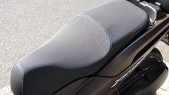 Yamaha Xenter 150, sella biposto