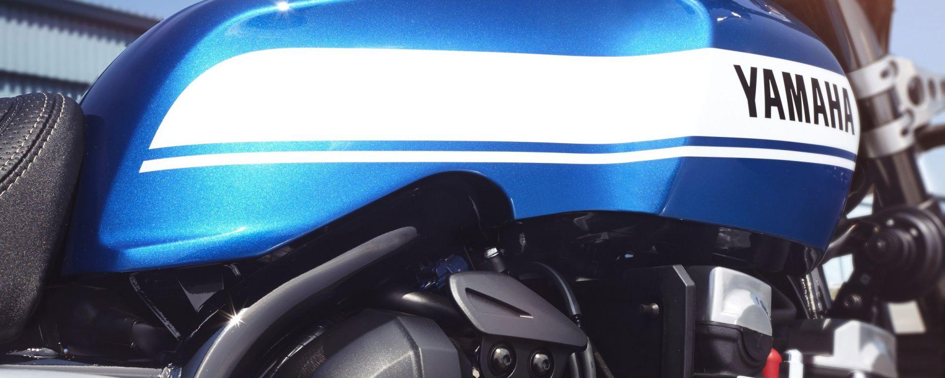 Yamaha XJR1300 e XJR1300 Racer 2015