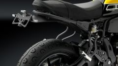 Yamaha XSR700: porta targa