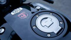 Yamaha XSR900 Abarth: dettaglio del serbatoio