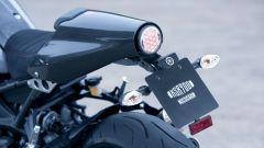 Yamaha XSR900 Abarth: il coprisella in carbonio