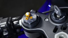 Yamaha YZF-R1 2020, la forcella regolabile