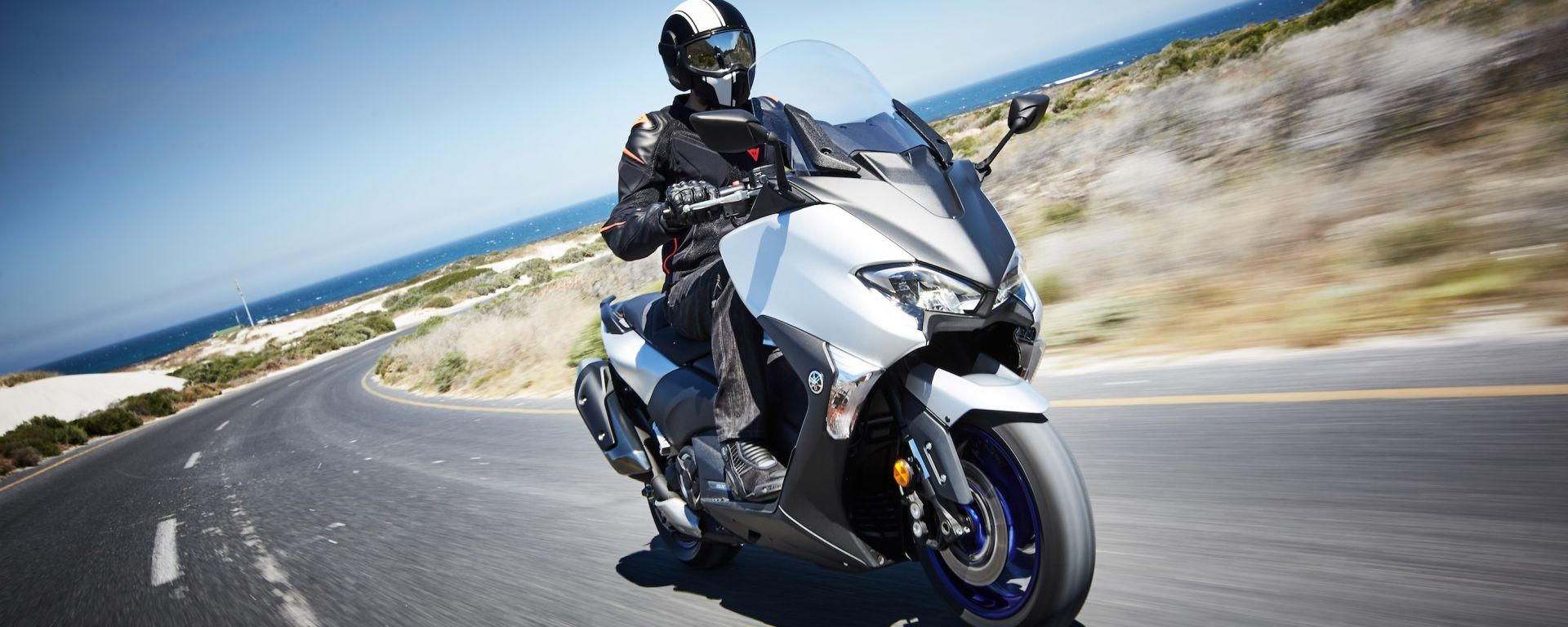 Yamaha TMAX 2017: prova, caratteristiche, prezzi