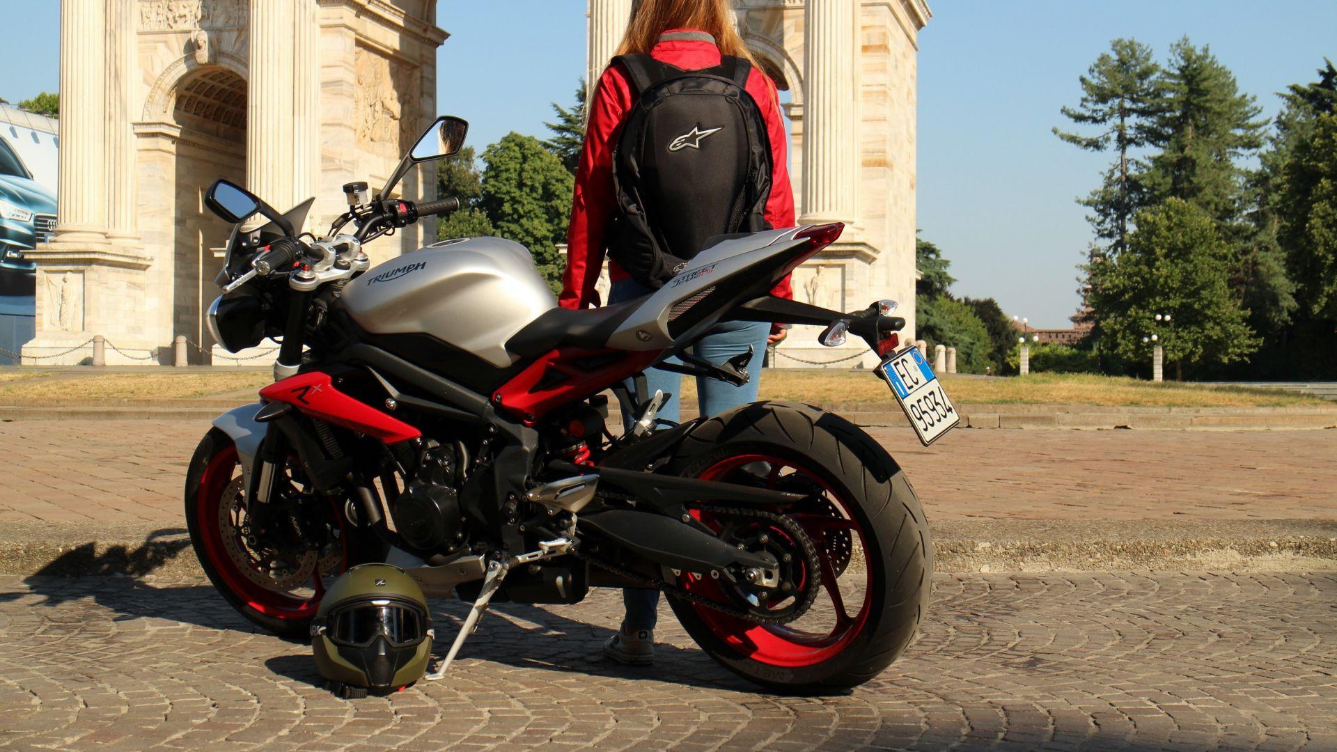 design senza tempo 6a840 93a66 Accessori moto: Zaini Alpinestars - MotorBox